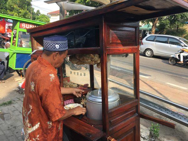 Ketupat Padang enak di sekitar Bintaro Veteran Jakarta Selatan